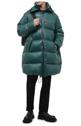 Мужская пуховик BOTTEGA VENETA зеленого цвета, арт. 659727/V0Y60 | Фото 2 (Материал утеплителя: Пух и перо; Материал подклада: Синтетический материал; Материал внешний: Синтетический материал; Рукава: Длинные; Кросс-КТ: Куртка; Мужское Кросс-КТ: пуховик-длинный; Длина (верхняя одежда): До колена; Стили: Минимализм)