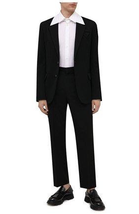 Мужские брюки VALENTINO черного цвета, арт. WV0RBG0070R | Фото 2 (Длина (брюки, джинсы): Стандартные; Материал внешний: Вискоза, Синтетический материал; Случай: Повседневный; Стили: Кэжуэл)