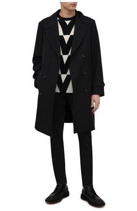 Мужской свитер из кашемира и шерсти VALENTINO черно-белого цвета, арт. WV0KC17H7TP | Фото 2 (Материал внешний: Кашемир, Шерсть; Мужское Кросс-КТ: Свитер-одежда; Принт: С принтом; Длина (для топов): Стандартные; Рукава: Длинные)
