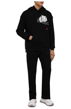Мужской хлопковое худи TEE LIBRARY черного цвета, арт. TFK-HZ-28 | Фото 2 (Длина (для топов): Стандартные; Материал внешний: Хлопок; Рукава: Длинные; Мужское Кросс-КТ: Худи-одежда; Принт: С принтом)