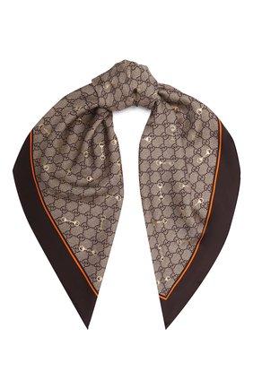 Женский шелковый платок GUCCI коричневого цвета, арт. 662576/3G001 | Фото 1 (Материал: Шелк, Текстиль; Принт: С принтом)