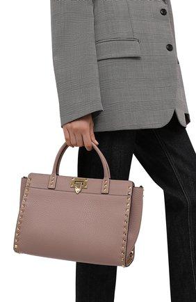 Женская сумка rockstud small VALENTINO бежевого цвета, арт. WW2B0I15/VSF | Фото 2 (Ремень/цепочка: На ремешке; Размер: small; Материал: Натуральная кожа; Сумки-технические: Сумки top-handle, Сумки через плечо)