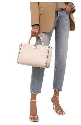 Женская сумка rockstud small VALENTINO кремвого цвета, арт. WW2B0I15/VSF   Фото 2 (Материал: Натуральная кожа; Ремень/цепочка: На ремешке; Размер: small; Сумки-технические: Сумки top-handle, Сумки через плечо)