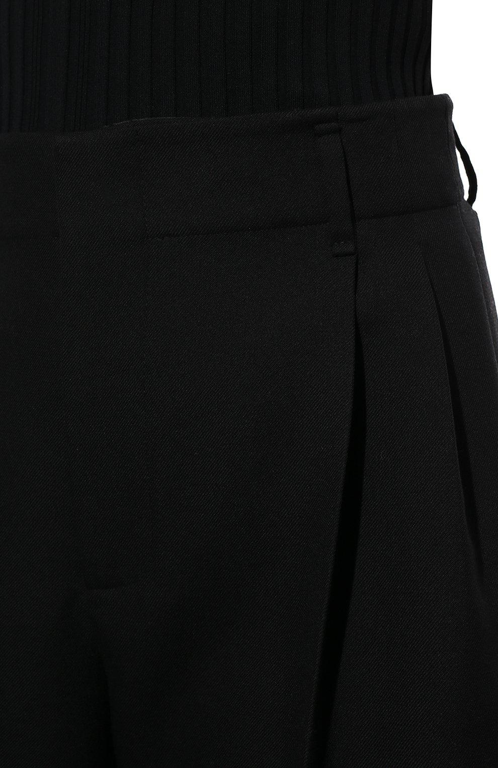 Женские шерстяные шорты-бермуды VALENTINO черного цвета, арт. WB0RD0A56LR   Фото 5 (Женское Кросс-КТ: Шорты-одежда; Материал внешний: Шерсть; Кросс-КТ: Широкие; Длина Ж (юбки, платья, шорты): Миди; Стили: Кэжуэл)