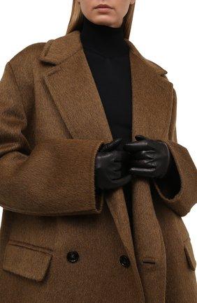 Женские кожаные перчатки BOTTEGA VENETA черного цвета, арт. 671708/3V00F | Фото 2 (Длина (верхняя одежда): Длинные)