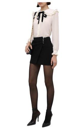 Женская шелковая блузка SAINT LAURENT кремвого цвета, арт. 665828/Y100W | Фото 2 (Материал внешний: Шелк; Рукава: Длинные; Длина (для топов): Стандартные; Женское Кросс-КТ: Блуза-одежда; Принт: Без принта; Стили: Кэжуэл)