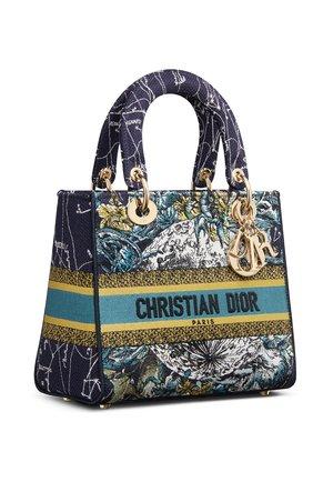 Женская сумка lady d-lite medium DIOR синего цвета, арт. M0565ORHPM928   Фото 2 (Материал: Текстиль; Сумки-технические: Сумки top-handle, Сумки через плечо; Размер: medium)