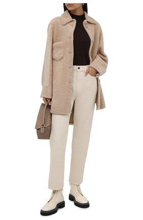 Женская двусторонняя дубленка ANNE VEST бежевого цвета, арт. AW21/01/303/17/AVRIL SHIRT | Фото 2 (Материал внешний: Натуральный мех; Рукава: Длинные; Длина (верхняя одежда): До середины бедра; Стили: Кэжуэл; Женское Кросс-КТ: Мех)