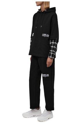 Женские хлопковые брюки COMME DES FUCKDOWN черного цвета, арт. CDFU1313 | Фото 2 (Материал внешний: Хлопок; Длина (брюки, джинсы): Стандартные; Стили: Спорт-шик; Женское Кросс-КТ: Брюки-одежда, Брюки-спорт; Силуэт Ж (брюки и джинсы): Широкие)