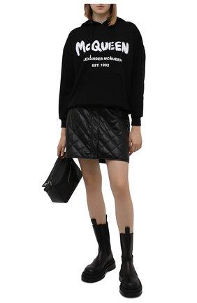 Женский хлопковое худи ALEXANDER MCQUEEN черно-белого цвета, арт. 674882/QZAD5 | Фото 2 (Материал внешний: Хлопок; Длина (для топов): Стандартные; Рукава: Длинные; Стили: Спорт-шик; Женское Кросс-КТ: Худи-одежда)