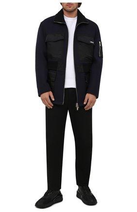Мужская шерстяная куртка VERSACE темно-синего цвета, арт. 1001150/1A00678   Фото 2 (Материал внешний: Шерсть; Длина (верхняя одежда): Короткие; Материал подклада: Купро; Рукава: Длинные; Кросс-КТ: Куртка; Мужское Кросс-КТ: шерсть и кашемир; Стили: Кэжуэл)