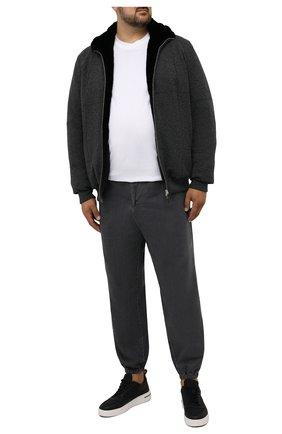 Мужской кашемировый бомбер с меховой подкладкой SVEVO темно-серого цвета, арт. 01039SA21/MP01/2/60-62 | Фото 2 (Материал внешний: Кашемир, Шерсть; Кросс-КТ: Куртка; Принт: Без принта; Мужское Кросс-КТ: шерсть и кашемир, утепленные куртки; Длина (верхняя одежда): Короткие; Рукава: Длинные; Стили: Кэжуэл)