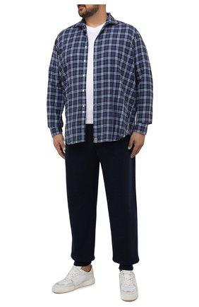 Мужская хлопковая рубашка SONRISA синего цвета, арт. IL7/F6113/47-51 | Фото 2 (Материал внешний: Хлопок; Рукава: Длинные; Длина (для топов): Стандартные; Случай: Повседневный; Воротник: Акула; Принт: Клетка; Рубашки М: Regular Fit; Манжеты: На пуговицах; Стили: Кэжуэл)