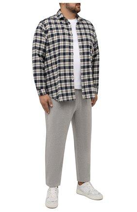 Мужская хлопковая рубашка SONRISA синего цвета, арт. IL7/F6109/47-51 | Фото 2 (Материал внешний: Хлопок; Рукава: Длинные; Длина (для топов): Стандартные; Случай: Повседневный; Воротник: Акула; Принт: Клетка; Рубашки М: Regular Fit; Манжеты: На пуговицах; Стили: Кэжуэл)