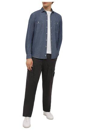 Мужская хлопковая рубашка ASPESI синего цвета, арт. W1 A AEC1 E542 | Фото 2 (Материал внешний: Хлопок; Рукава: Длинные; Длина (для топов): Стандартные; Случай: Повседневный; Воротник: Кент; Принт: Однотонные; Манжеты: На пуговицах; Стили: Кэжуэл)