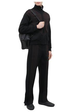 Мужской кардиган BOTTEGA VENETA черного цвета, арт. 665908/V0C10 | Фото 2 (Материал внешний: Синтетический материал, Вискоза; Мужское Кросс-КТ: Кардиган-одежда; Стили: Спорт-шик; Рукава: Длинные; Длина (для топов): Стандартные)