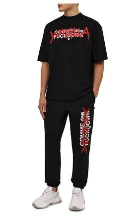 Мужские хлопковые джоггеры COMME DES FUCKDOWN черного цвета, арт. CDFU1349 | Фото 2 (Материал внешний: Хлопок; Длина (брюки, джинсы): Стандартные; Силуэт М (брюки): Джоггеры; Стили: Спорт-шик; Кросс-КТ: Спорт)