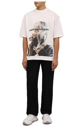 Мужская хлопковая футболка COMME DES FUCKDOWN кремвого цвета, арт. CDFU1301   Фото 2 (Рукава: Короткие; Материал внешний: Хлопок; Длина (для топов): Стандартные; Принт: С принтом; Стили: Гранж)