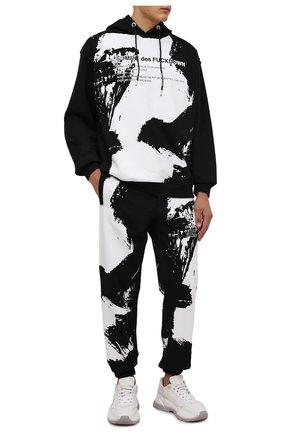 Мужские хлопковые джоггеры COMME DES FUCKDOWN черного цвета, арт. CDFU1267 | Фото 2 (Длина (брюки, джинсы): Стандартные; Материал внешний: Хлопок; Силуэт М (брюки): Джоггеры; Кросс-КТ: Спорт; Стили: Спорт-шик; Мужское Кросс-КТ: Брюки-трикотаж)