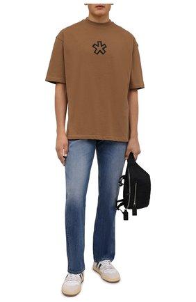 Мужская хлопковая футболка COMME DES FUCKDOWN бежевого цвета, арт. CDFU1261   Фото 2 (Рукава: Короткие; Материал внешний: Хлопок; Длина (для топов): Стандартные; Принт: С принтом; Стили: Спорт-шик)