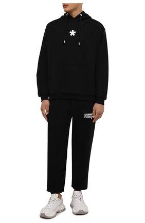 Мужские хлопковые джоггеры COMME DES FUCKDOWN черного цвета, арт. CDFU1234 | Фото 2 (Длина (брюки, джинсы): Стандартные; Материал внешний: Хлопок; Силуэт М (брюки): Джоггеры; Кросс-КТ: Спорт; Стили: Спорт-шик; Мужское Кросс-КТ: Брюки-трикотаж)