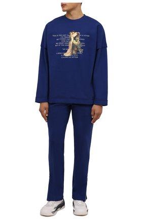 Мужская хлопковый лонгслив TEE LIBRARY синего цвета, арт. TFK-LT-18 | Фото 2 (Материал внешний: Хлопок; Длина (для топов): Стандартные; Рукава: Длинные; Принт: С принтом; Стили: Гранж)