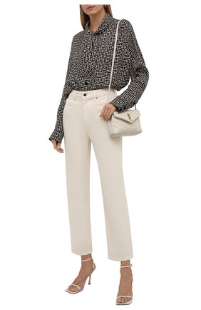 Женская блузка BALMAIN черно-белого цвета, арт. WF1HU020/I677 | Фото 2 (Материал внешний: Купро; Рукава: Длинные; Длина (для топов): Удлиненные; Стили: Гламурный; Принт: С принтом; Женское Кросс-КТ: Блуза-одежда)