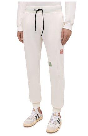 Мужские хлопковые джоггеры TEE LIBRARY кремвого цвета, арт. TFK-JP-44 | Фото 3 (Мужское Кросс-КТ: Брюки-трикотаж; Длина (брюки, джинсы): Стандартные; Кросс-КТ: Спорт; Материал внешний: Хлопок; Стили: Спорт-шик; Силуэт М (брюки): Джоггеры)