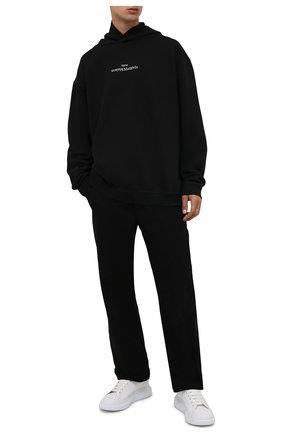 Мужской хлопковое худи MAISON MARGIELA черного цвета, арт. S50GU0167/S25503 | Фото 2 (Материал внешний: Хлопок; Мужское Кросс-КТ: Худи-одежда; Длина (для топов): Стандартные; Рукава: Длинные; Принт: С принтом; Стили: Спорт-шик)