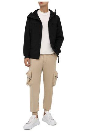Мужская куртка C.P. COMPANY черного цвета, арт. 11CM0W002A-006097A | Фото 2 (Материал внешний: Синтетический материал; Длина (верхняя одежда): Короткие; Материал подклада: Хлопок; Рукава: Длинные; Кросс-КТ: Куртка, Ветровка; Стили: Кэжуэл)