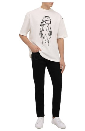 Мужские джинсы COMME DES FUCKDOWN черного цвета, арт. CDFU1381   Фото 2 (Материал внешний: Хлопок; Длина (брюки, джинсы): Стандартные; Кросс-КТ: Деним; Силуэт М (брюки): Узкие; Стили: Гранж)