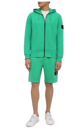 Мужские хлопковые шорты STONE ISLAND зеленого цвета, арт. 751564620 | Фото 2 (Материал внешний: Хлопок; Кросс-КТ: Спорт; Принт: Без принта; Длина Шорты М: До колена)