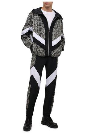 Мужской бомбер BALMAIN кремвого цвета, арт. WH1TG055/687I   Фото 2 (Материал внешний: Синтетический материал; Длина (верхняя одежда): Короткие; Рукава: Длинные; Материал подклада: Синтетический материал; Кросс-КТ: Куртка; Принт: С принтом)