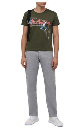 Мужская хлопковая футболка BALMAIN хаки цвета, арт. WH0EF000/G123   Фото 2 (Рукава: Короткие; Материал внешний: Хлопок; Длина (для топов): Стандартные; Принт: С принтом)