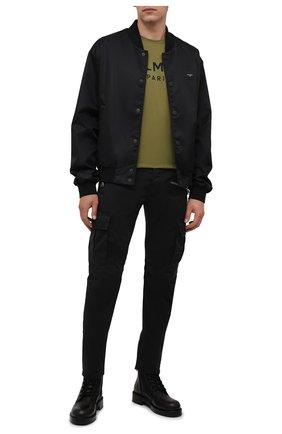 Мужские джинсы BALMAIN черного цвета, арт. WH1MH015/146D   Фото 2 (Материал внешний: Хлопок; Длина (брюки, джинсы): Стандартные; Кросс-КТ: Деним; Силуэт М (брюки): Узкие; Стили: Гранж)
