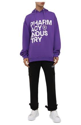 Мужской хлопковое худи PHARMACY INDUSTRY фиолетового цвета, арт. PHMSFC260   Фото 2 (Материал внешний: Хлопок; Мужское Кросс-КТ: Худи-одежда; Принт: С принтом; Стили: Спорт-шик; Рукава: Длинные; Длина (для топов): Стандартные)