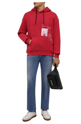 Мужской хлопковое худи TEE LIBRARY красного цвета, арт. TFK-HD-31 | Фото 2 (Материал внешний: Хлопок; Рукава: Длинные; Длина (для топов): Стандартные; Мужское Кросс-КТ: Худи-одежда; Принт: С принтом; Стили: Спорт-шик)