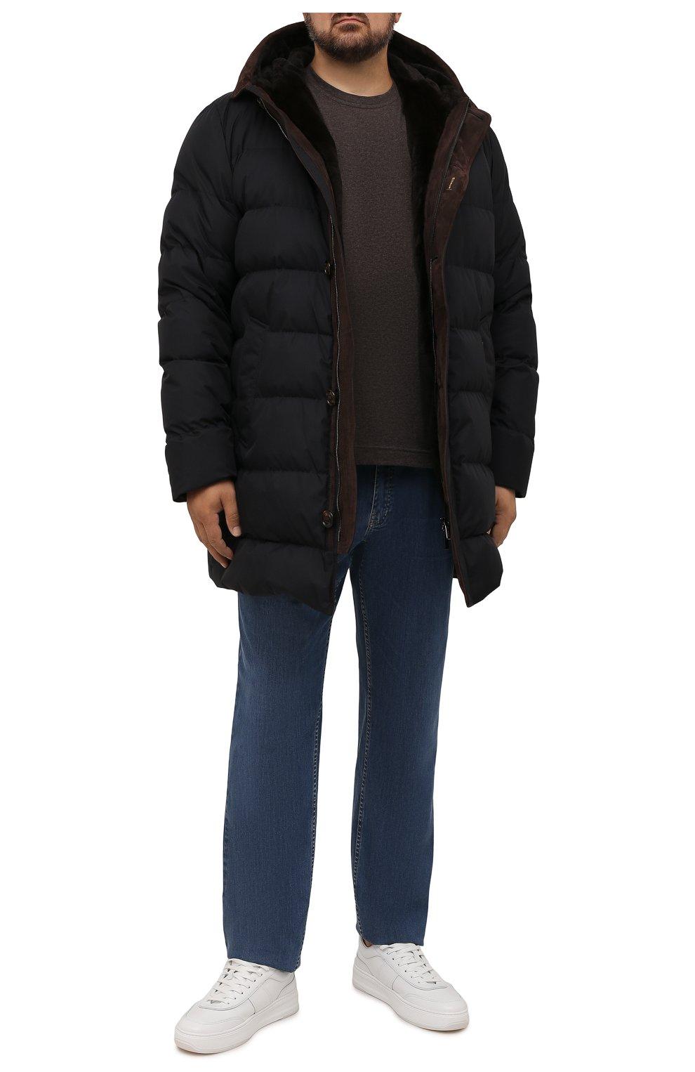 Мужская пуховик с меховой подкладкой vezzoli-gf MOORER темно-синего цвета, арт. VEZZ0LI-GF/M0UPI100006-TEPA012/60-68 | Фото 2 (Кросс-КТ: Куртка; Big sizes: Big Sizes; Мужское Кросс-КТ: пуховик-короткий; Рукава: Длинные; Длина (верхняя одежда): До середины бедра; Материал внешний: Синтетический материал; Материал утеплителя: Пух и перо; Стили: Кэжуэл)