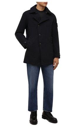 Мужской утепленный плащ STONE ISLAND темно-синего цвета, арт. 751542149 | Фото 2 (Материал внешний: Синтетический материал; Материал подклада: Синтетический материал; Рукава: Длинные; Мужское Кросс-КТ: Плащ-верхняя одежда; Стили: Кэжуэл; Длина (верхняя одежда): До середины бедра)