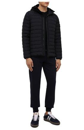 Мужская пуховая куртка STONE ISLAND темно-синего цвета, арт. 751542725 | Фото 2 (Материал утеплителя: Пух и перо; Материал подклада: Синтетический материал; Материал внешний: Хлопок, Синтетический материал; Длина (верхняя одежда): Короткие; Кросс-КТ: Куртка; Мужское Кросс-КТ: пуховик-короткий; Стили: Кэжуэл; Рукава: Длинные)