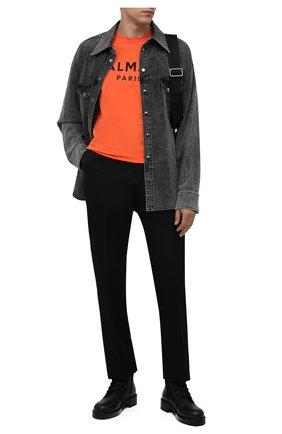Мужская хлопковая футболка BALMAIN оранжевого цвета, арт. WH0EF000/B151 | Фото 2 (Длина (для топов): Стандартные; Материал внешний: Хлопок; Рукава: Короткие; Принт: С принтом; Стили: Кэжуэл)