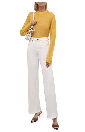 Женский свитер ACNE STUDIOS желтого цвета, арт. A60285 | Фото 2 (Материал внешний: Шерсть, Синтетический материал; Стили: Минимализм; Длина (для топов): Стандартные; Женское Кросс-КТ: Свитер-одежда; Рукава: Длинные)