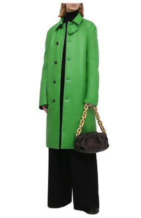 Женское кожаное пальто BOTTEGA VENETA зеленого цвета, арт. 668754/V16H0   Фото 2 (Длина (верхняя одежда): До колена; Рукава: Длинные; Материал подклада: Хлопок; Стили: Гламурный; 1-2-бортные: Однобортные)