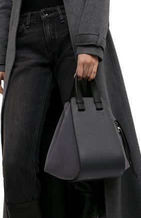 Женская сумка hammock small LOEWE темно-серого цвета, арт. A538S35X17 | Фото 2 (Материал: Натуральная кожа; Размер: small; Сумки-технические: Сумки top-handle; Ремень/цепочка: На ремешке)
