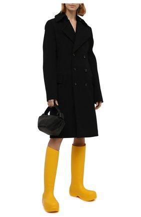 Женские резиновые сапоги bv puddle BOTTEGA VENETA желтого цвета, арт. 667222/V00P0 | Фото 2 (Материал внешний: Резина; Высота голенища: Средние; Подошва: Платформа; Материал внутренний: Текстиль, Натуральная кожа; Каблук тип: Устойчивый; Каблук высота: Средний)