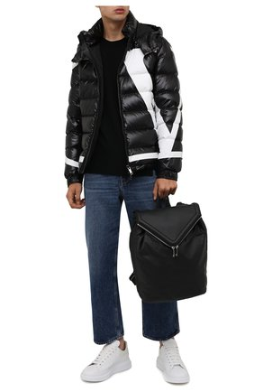 Мужская утепленная куртка VALENTINO черного цвета, арт. WV3CNA317KQ | Фото 2 (Материал подклада: Синтетический материал; Длина (верхняя одежда): Короткие; Материал внешний: Синтетический материал; Рукава: Длинные; Кросс-КТ: Куртка; Мужское Кросс-КТ: пуховик-короткий; Стили: Кэжуэл)