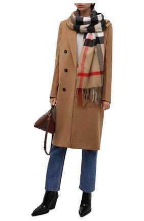 Женский кашемировый шарф BURBERRY бежевого цвета, арт. 8045335   Фото 2 (Материал: Шерсть, Кашемир)