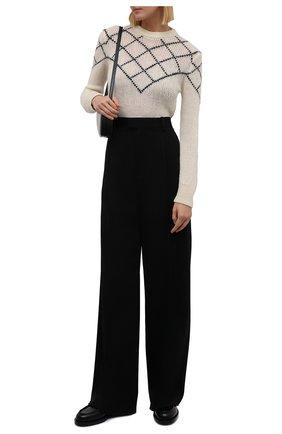 Женский пуловер SAINT LAURENT кремвого цвета, арт. 597133/YAJM2 | Фото 2 (Длина (для топов): Стандартные; Материал внешний: Шерсть; Рукава: Длинные; Стили: Кэжуэл; Женское Кросс-КТ: Пуловер-одежда)