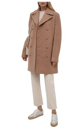 Женское шерстяное пальто JIL SANDER бежевого цвета, арт. JSWT415124-WT200100 | Фото 2 (Стили: Минимализм; Материал подклада: Вискоза; Длина (верхняя одежда): До середины бедра; Рукава: Длинные; Материал внешний: Шерсть; 1-2-бортные: Двубортные)