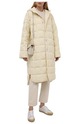 Женская пуховая куртка JIL SANDER кремвого цвета, арт. JPPT440694-WT441100   Фото 2 (Рукава: Длинные; Стили: Минимализм; Длина (верхняя одежда): Длинные; Материал утеплителя: Пух и перо; Материал внешний: Синтетический материал; Материал подклада: Синтетический материал; Кросс-КТ: Куртка; Женское Кросс-КТ: Пуховик-куртка)